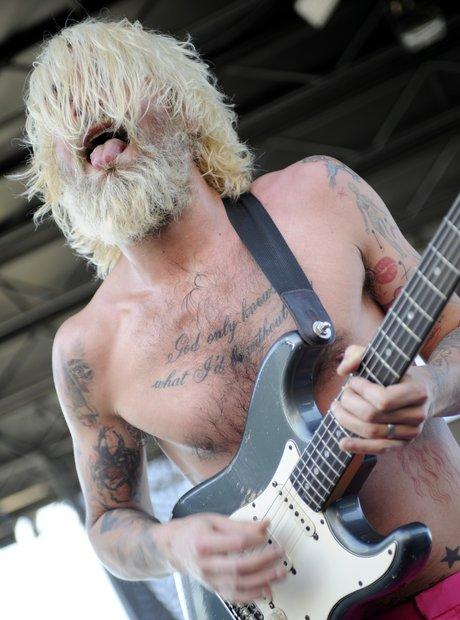 Biffy Clyro topless
