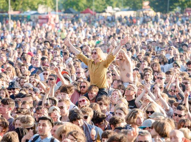 Field Day 2014 crowd
