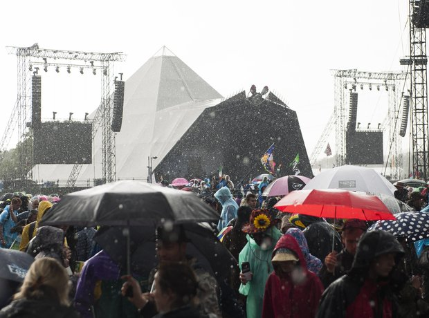Glastonbury 2014 Pyramid Stage rain