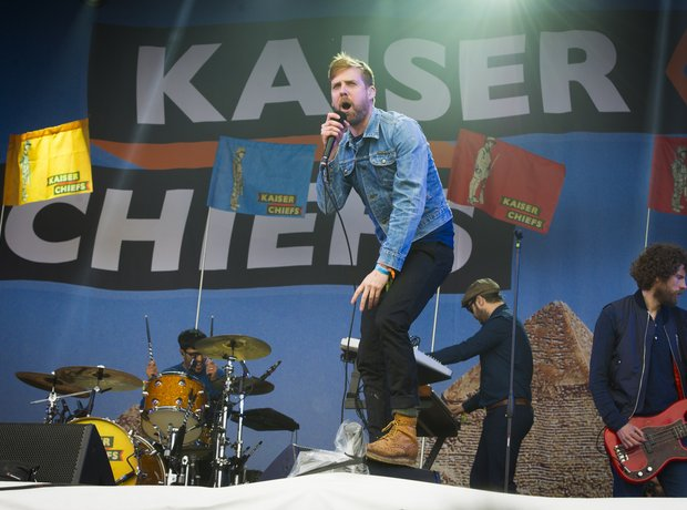 Kaiser Chiefs open Glastonbury 2014