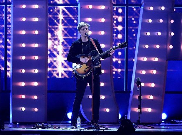 George Ezra BRIT Awards 2015 Performance