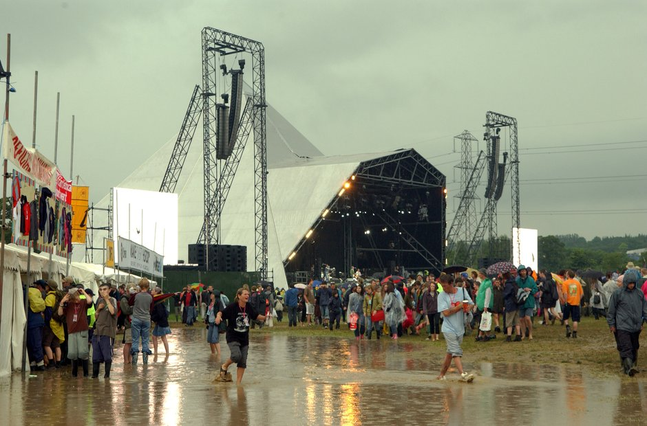 Glastonbury mud 2005