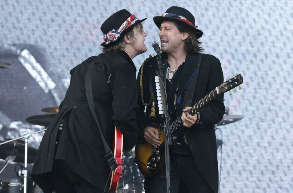 Libertines Pyramid Stage Glastonbury 2015