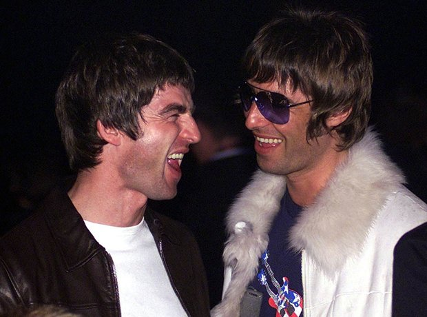 Noel and Liam Gallagher at the NME Awards 2001