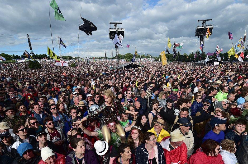 Glastonbury 2016 - Crowd For ZZ Top
