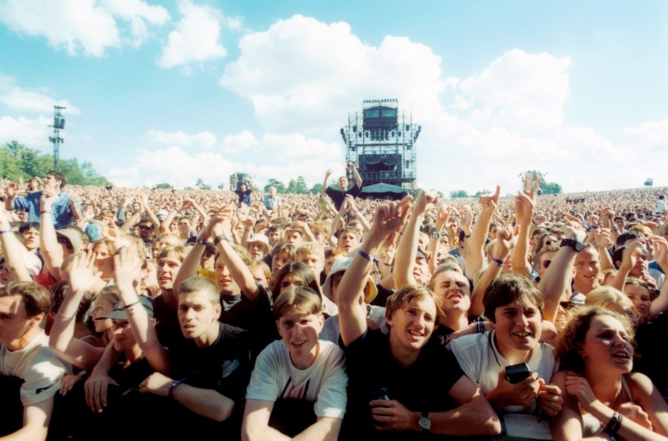 The crowd during the day at Knebworth 1996