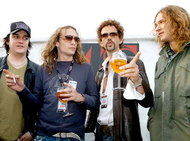 2004: The Darkness