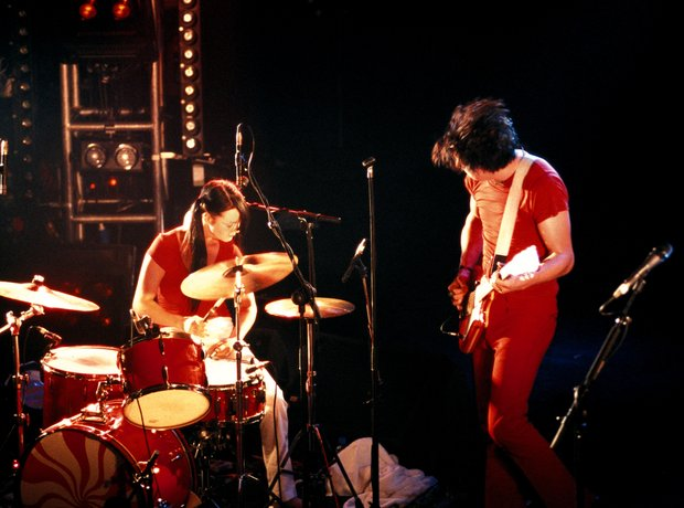 2002: The White Stripes