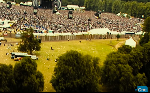 Oasis Supersonic trailer crowd shot