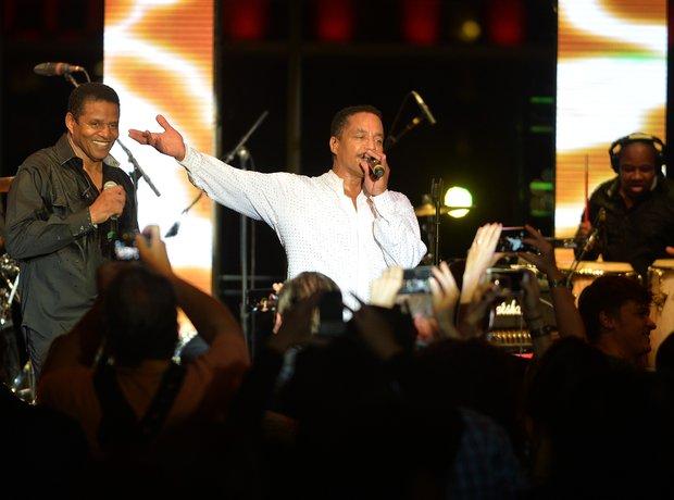 The Jacksons live 2015