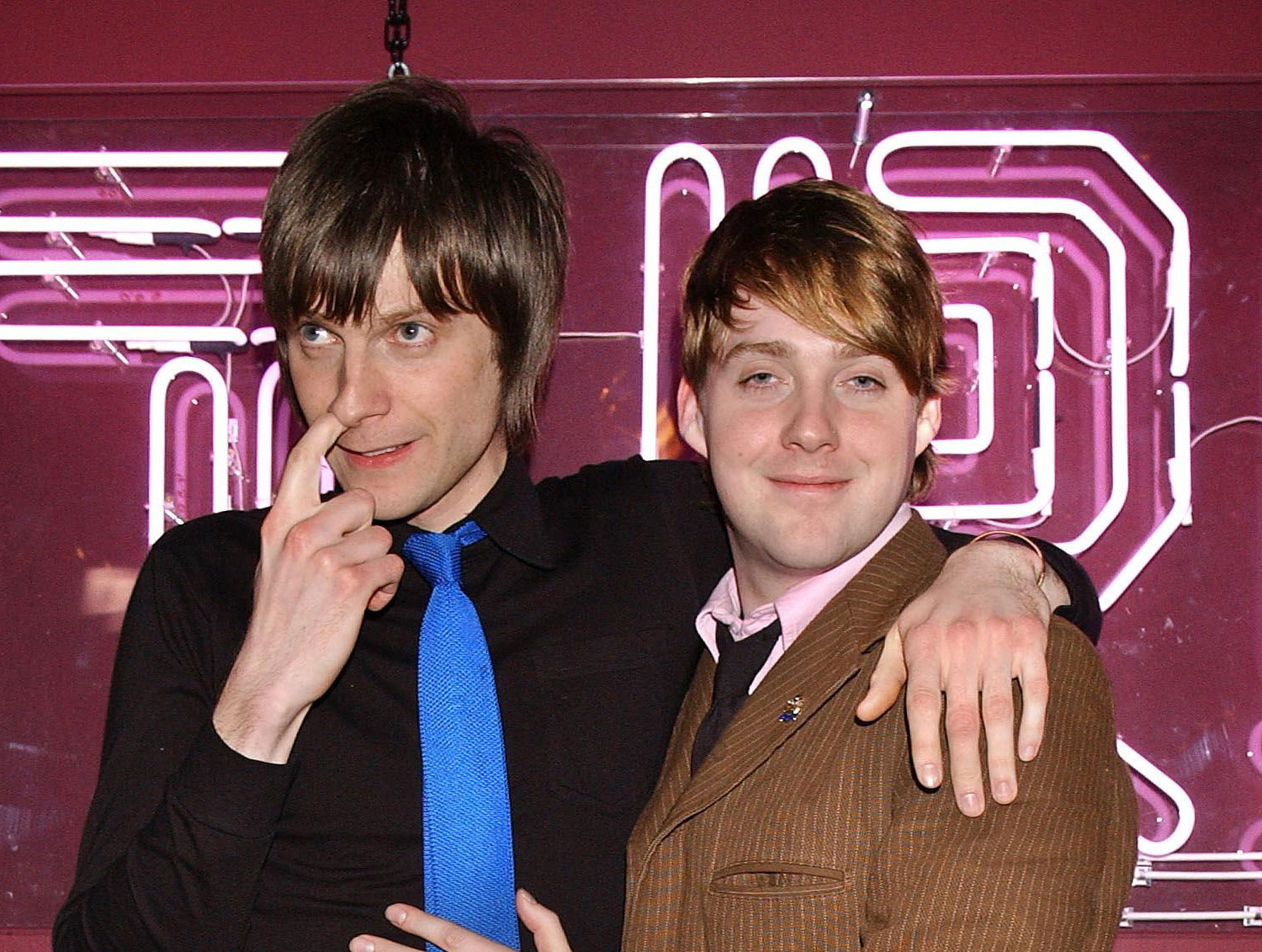 Nick Hodgson and Ricky Wilson in 2005 at MTV's TRL