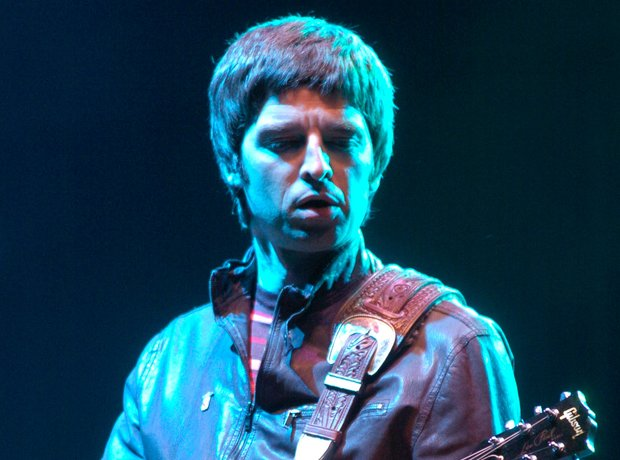 Noel Gallagher Glastonbury 2004