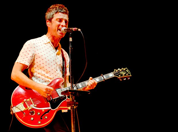 Noel Gallagher live in Manchester 2017
