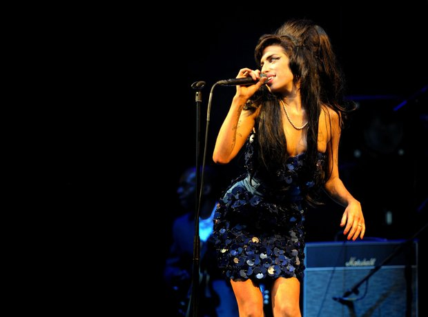 Amy Winehouse live at Glastonbury, 2008