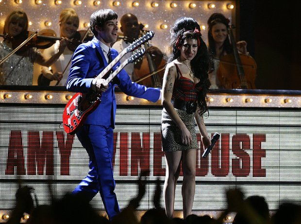 Mark Ronson and Amy Winehouse, BRIT Awards 2008